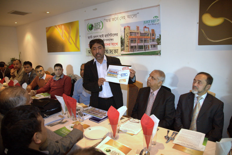 Mizaur Rahman showing floor plans